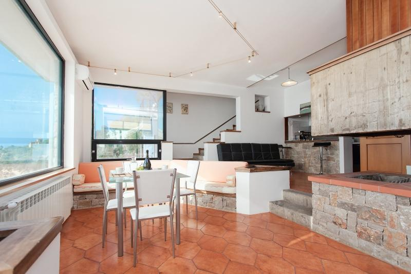 Villa Acqua Chiara Mare, holiday rental in Ficarazzi