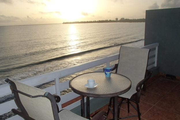Spectacular Sunrise and  Sunset...... as close as your front window!!!, holiday rental in Luquillo