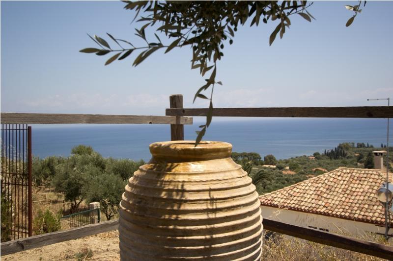 3 Villa Afroditi !!!, vacation rental in Koroni