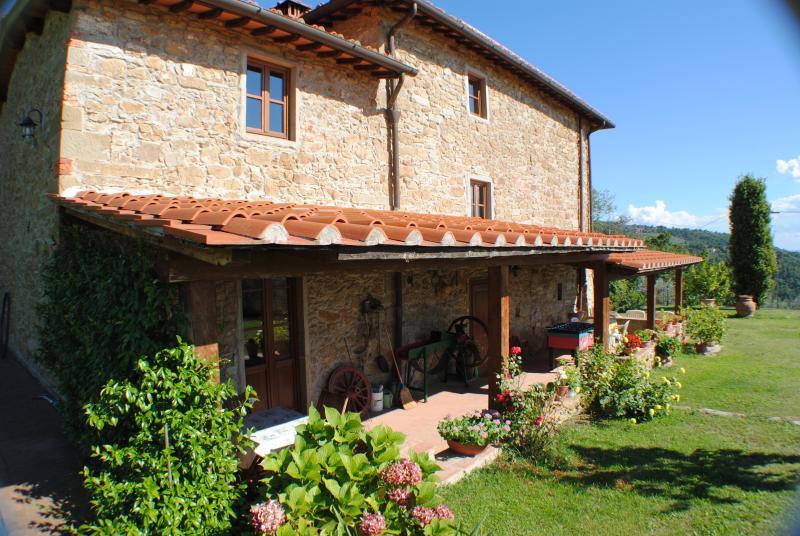 COLONICA DEL 1400 PANORAMICA SULLE COLLINE TOSCANE, location de vacances à Castelfranco Piandisco