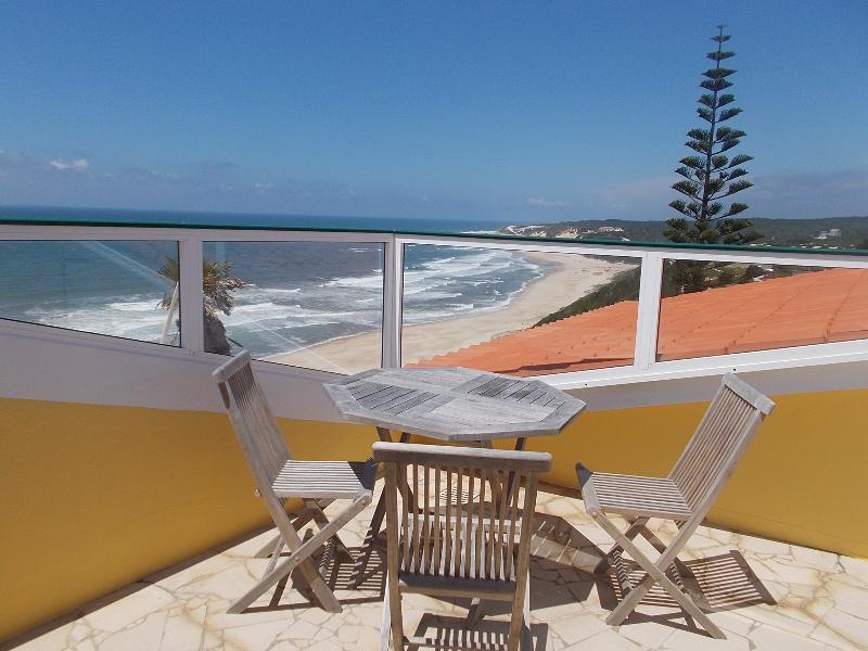 Casa da Mina, App. Dachterrasse, holiday rental in Pedra do Ouro