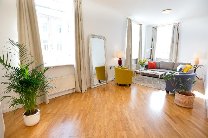 Spacious 2-Bedrooms Apartment - Town hall sq., vacation rental in Vilnius County