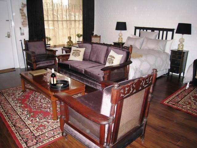 Chiltern Cottage and Indigo Suite Living to Book Nook