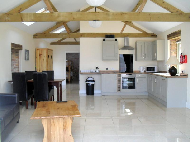 Foxes Den, Towcester, Northamptonshire., holiday rental in Buckingham