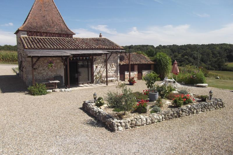 The Old Pigeonnier, vacation rental in Cours-De-Monsegur