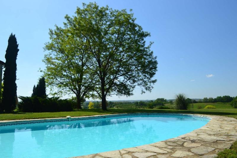 B&B and Gite near Duras, Lot et Garonne, vacation rental in Cours-De-Monsegur