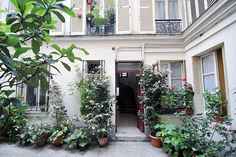 Cosy Apartment in Montmartre, holiday rental in Paris
