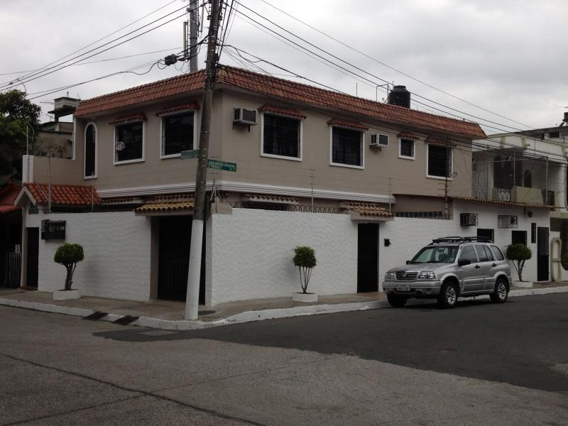 SUITE AMOBLADA EN GUAYAQUIL, holiday rental in Guayas Province