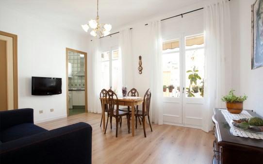 APARTAMENTO EN ZONA PLAZA ESPAÑA, CON WIFI, vacation rental in Barcelona