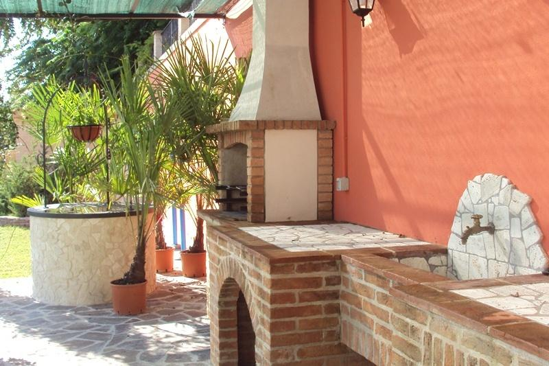 Casa del Gelso - the garden - BBQ's area