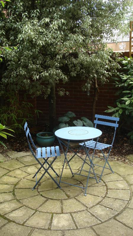 leafy little courtyard