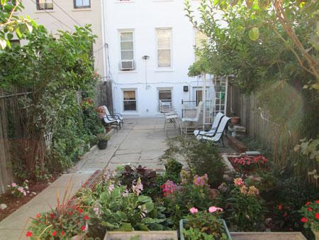 Casa adosada orientada al jardín