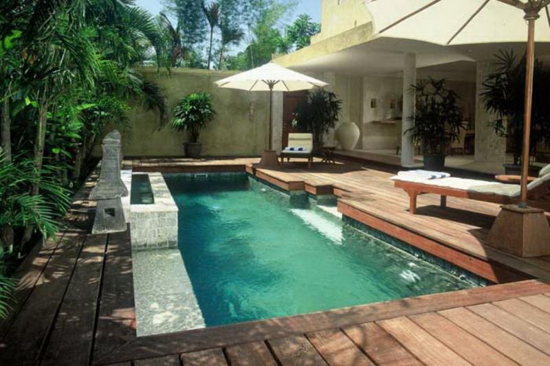 Villa y vistas a la piscina