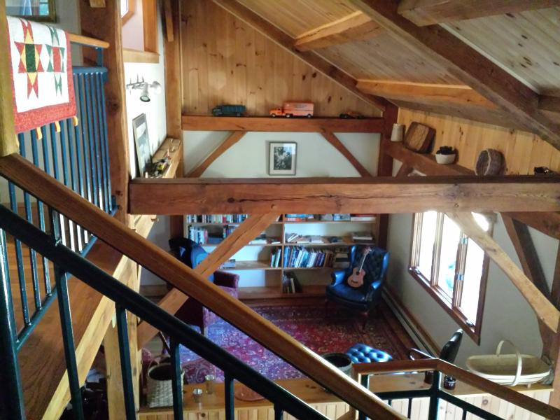 Stone 'n Sky Lodge on an Ancient Stone Landscape, holiday rental in New Salem