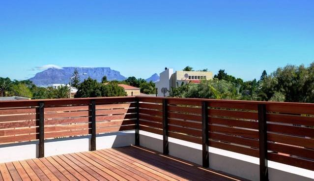 DECK VIEW 2 - TO TABLE MOUNTAIN