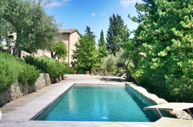 Casa Ospicchio house and pool