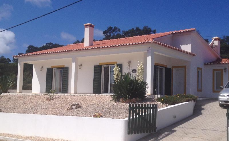 Detached villa with uninterupted views of the beach and surrounding countryside