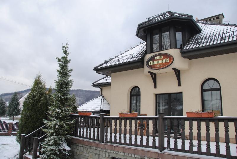 The perfect ski house for your ski holidays in Poland, Miedzybrodzie Bialskie. Ski guiding on demand