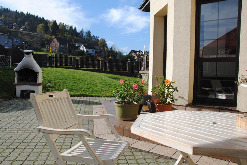 Relaxing atmosphere for family holidays at Villa Chamonix. 30km away from Wadowice and Auschwitz