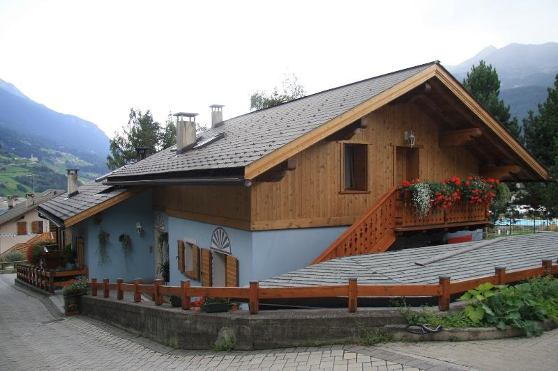 Chalet Alfonz | MANSARDA: entrata appartamento, entrance apartment