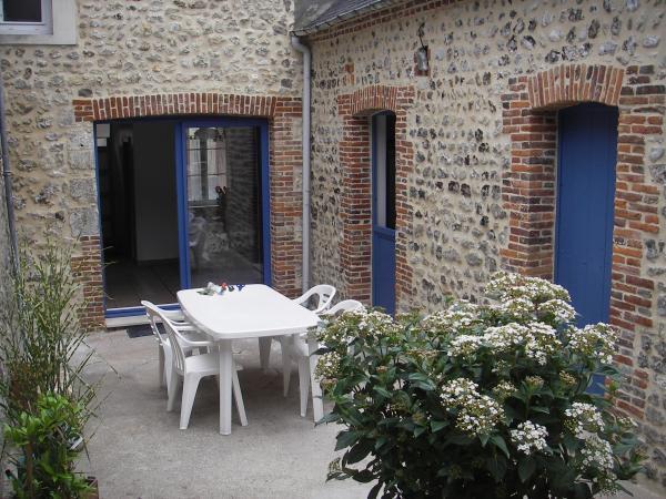 MAISON BORD DE MER ' Le Roulis Des Galets', location de vacances à Fecamp