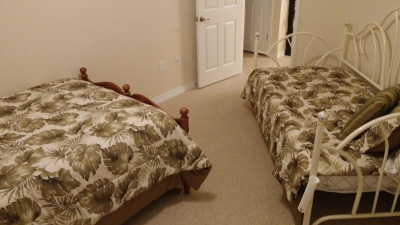 Guest Room with Full Bed and Day Bed