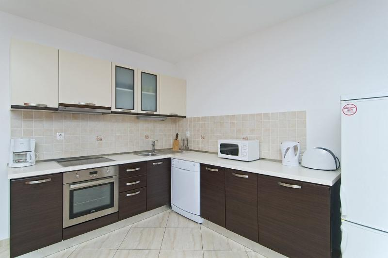 First floor  fully equipped kitchen