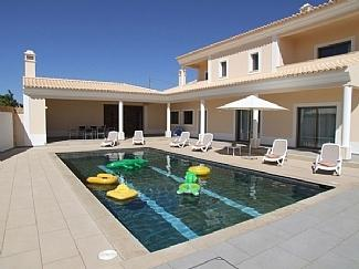 Cantinho das Oliveiras 4/5 bedroom luxury villa, just west of Albufiera