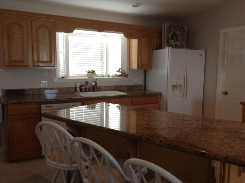 Kitchen/granite counters