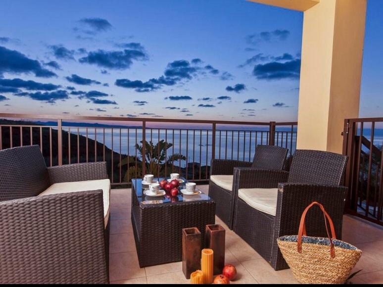 Mermaid Villa, holiday rental in Nea Dimmata