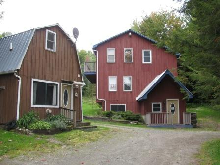 Carmel Cottage est situé juste à côté de Carmel Loft