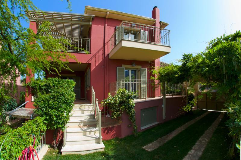 Kimo -  Stamoulis Villas, vacation rental in Divarata