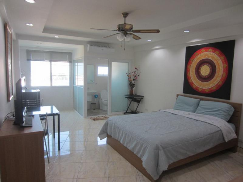 studio R in PatongCondotel, 8floor  room 47/224, holiday rental in Patong