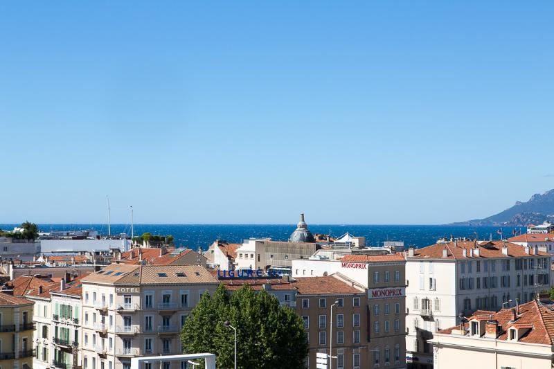 Luxury 3 Bedroom Apartment In Central Cannes Beside Palais