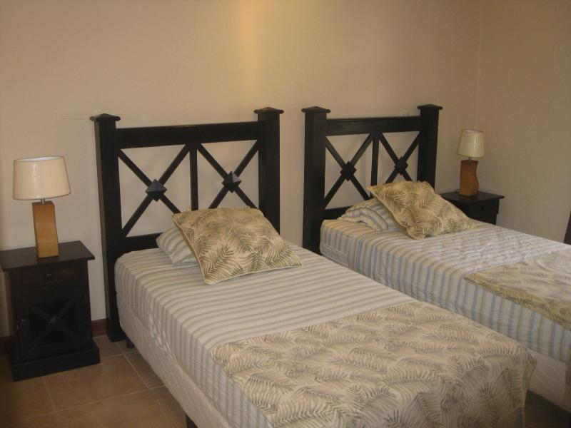 Guest room with two single beds