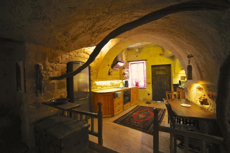 Fully equipped cave kitchen