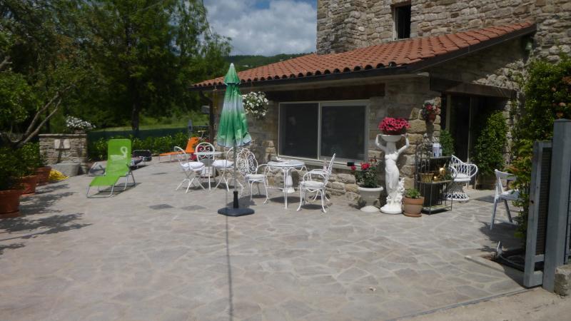 Appartamento in casa in pietra in borgo toacano, Ferienwohnung in Sestino