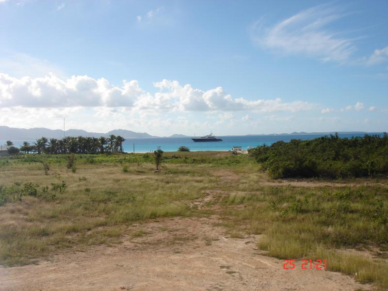 Walk to Rendezvous Bay Beach