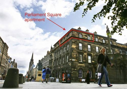 1 Parliament Sq (apt 15), Royal Mile, 300 metres from Edinburgh Castle, alquiler vacacional en Edimburgo