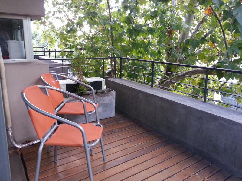 balcon del departamento con vista a la calle