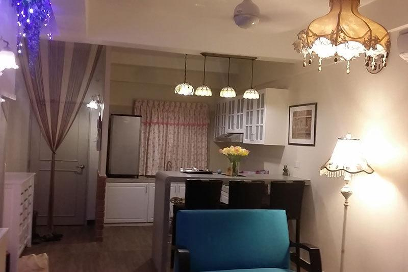 Kitchen & Bar Counter/DiningTable