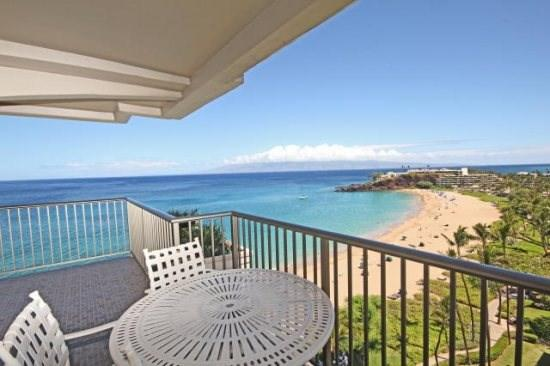 True direct ocean front 2Bd/2Ba looking onto Kaanapali Beach.  It doesn't get better than this!