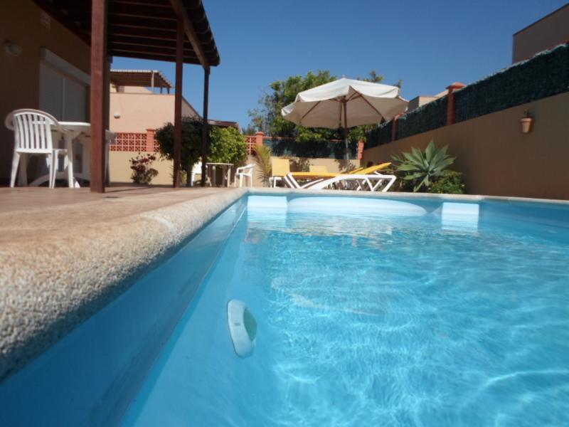 Luxury Villa with priv. pool and Wi-fi, holiday rental in Corralejo