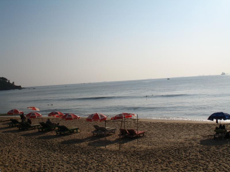 late afternoon sinquirim beach
