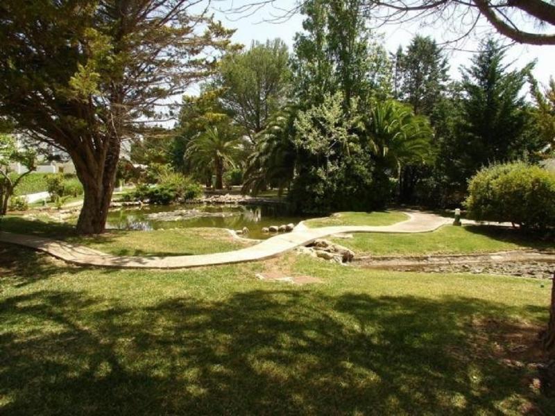 Garden of Lavinia in the luxury  Bellresguard Residence