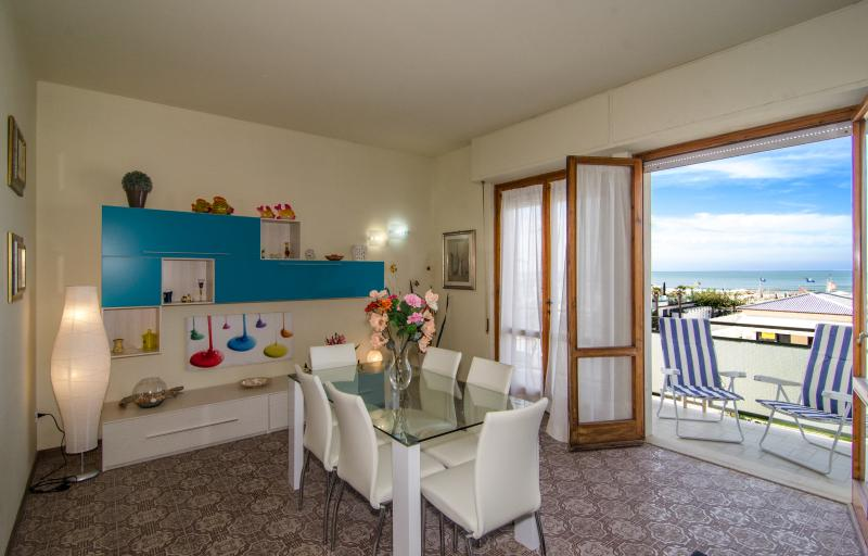 Goofy apartment, vacation rental in Lido Di Camaiore