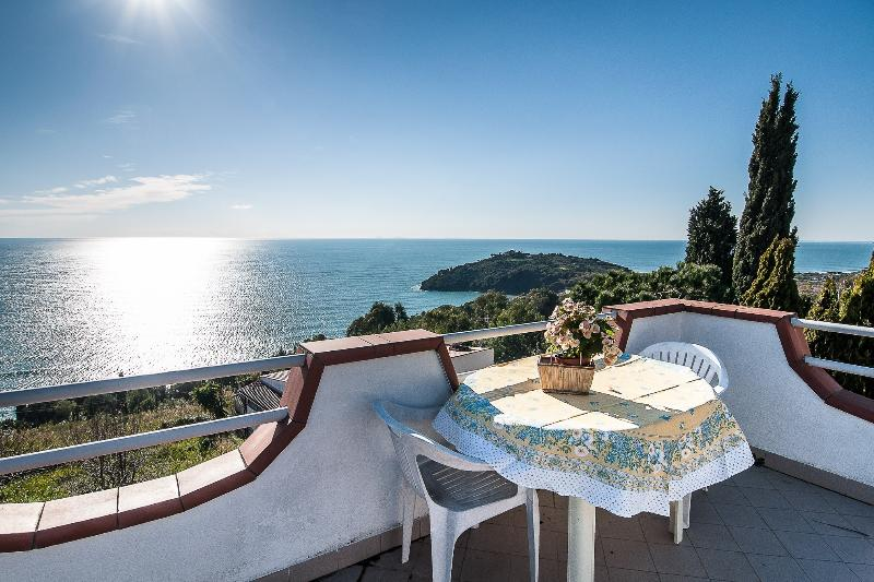 Sea view from the terrace in front of 'Verdemare cottage'