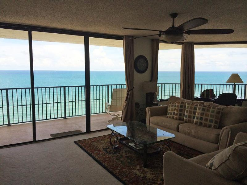 OCEAN! OCEAN!! OCEAN!!! LARGE LD (one of the largest ocean frontage in Daytona Beach Shores)!!!