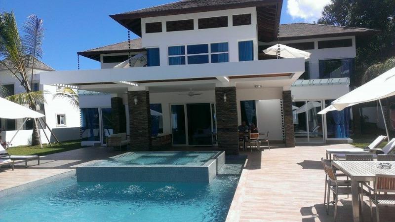Luxury 7 bedroom Villa CE1