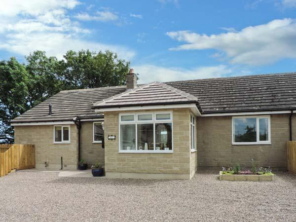 IREBY HOUSE, ground floor, wet room, enclosed garden, patio with furniture, holiday rental in Bedlington